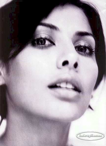 BabeStop - World's Largest Babe Site - natalie_imbruglia101.jpg